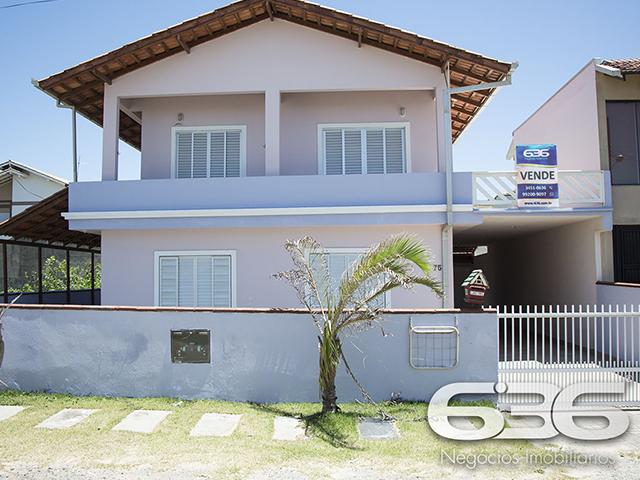 Sobrado à venda  no Centro - Balneário Barra do Sul, SC. Imóveis